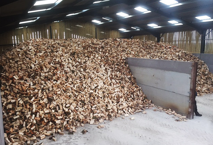Seasoned firewood logs for sale